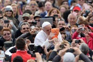 """Francisco: """"En el rostro de los refugiados está impreso el rostro de Cristo"""""""