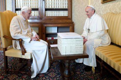 Francisco, Benedicto... y Castel Gandolfo