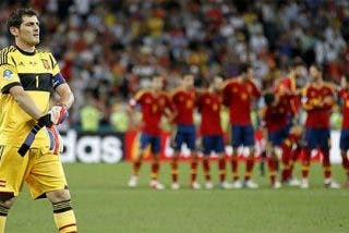 Iker Casillas anuncia su retirada de la Selección Española 'por el desgaste mental'