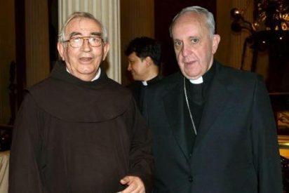"""El confesor del Papa prevé el fin de la """"luna de miel"""" con Francisco"""