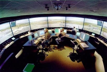 Peligro en el aire: los nuevos controladores aéreos de Baleares dicen no estar a la altura