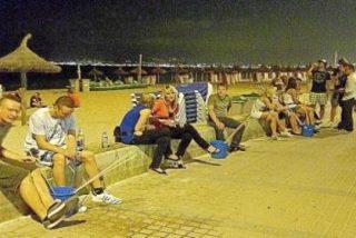 El operativo contra el 'botellón' en Playa de Palma se queda sólo en un mal trago policial