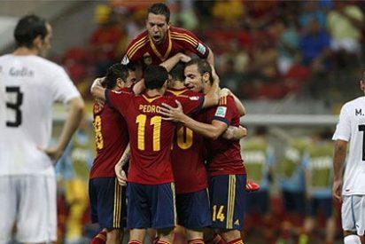 España presenta su 'jogo bonito' en la Copa Confederaciones