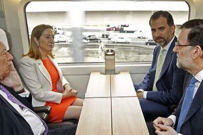El Príncipe Felipe y Mariano Rajoy se van juntos en AVE a Alicante