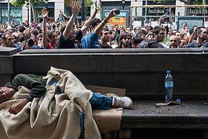 El Ayuntamiento de Barcelona prohíbe repartir comida entre los necesitados