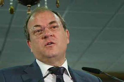 El presidente Monago baja el IRPF, tasas y la fiscalidad empresarial a los extremeños