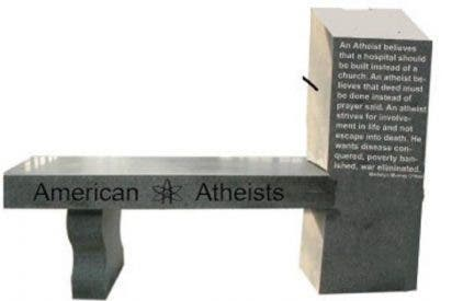 Se erige en EEUU el primer monumento al ateísmo