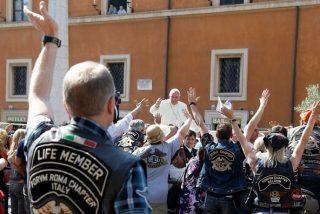 El Papa bendice a los moteros