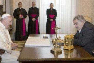 """Mújica: """"Es un papa que, si lo dejan, va a hacer una revolución en el seno de la Iglesia, hacia la sencillez"""""""