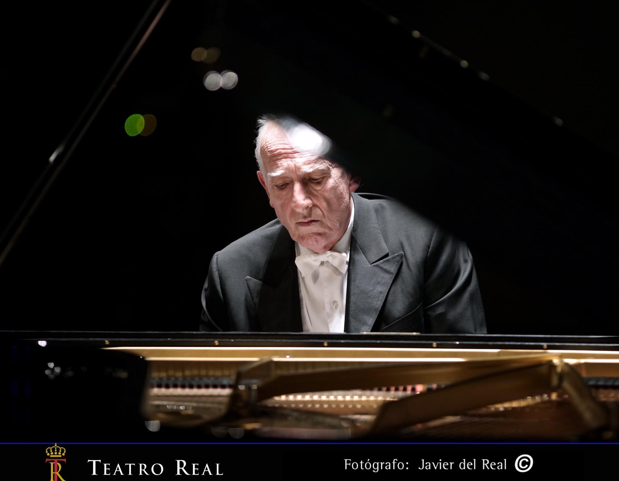 Maurizio Pollini al piano