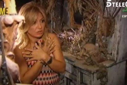 """Cristina Tárrega pierde los nervios al cambiarle el look al vampiro de 'Un príncipe para Corina': """"Estoy pasándolo fatal, yo esto no lo tengo por contrato"""""""