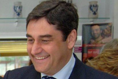 """Echániz: """"En C-LM hemos pasado de la sanidad del ladrillo a la sanidad para las personas"""""""