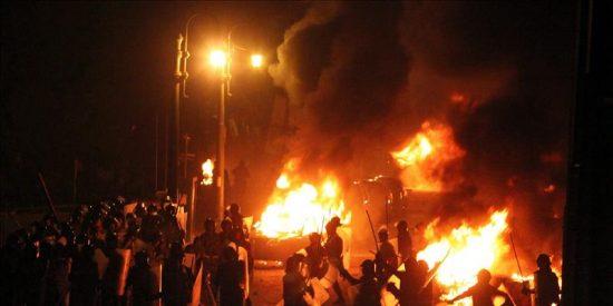 Decenas de muertos en los choques entre islamistas y la policía en El Cairo