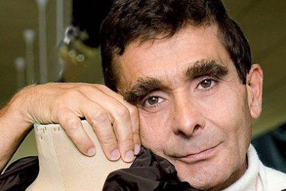 Adolfo Domínguez se ve obligado a cerrar doce tiendas en España y Portugal