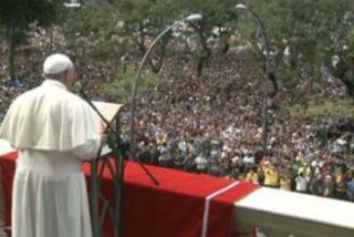 """El Papa en el ángelus: """"Saludamos a los abuelos con cariño"""""""