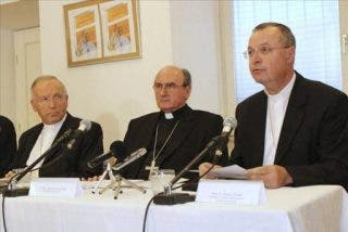 Francisco acepta la dimisión de dos arzobispos eslovenos