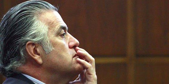 El juez Ruz embarga las cuentas bancarias y los bienes de Bárcenas