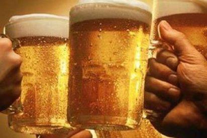 Muere tras beber 6 litros de cerveza y ganar un concurso en Murcia