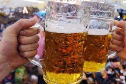 Formas absurdas de perder la vida: fallece tras ingerir seis litros de cerveza en 20 minutos