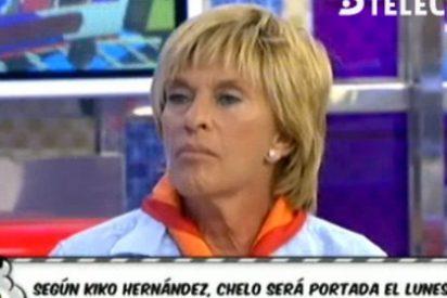 A Chelo Gª Cortés se le cae el mundo encima: pillada en 'todo su esplendor' en la playa y poniendo a parir a todos sus compañeros