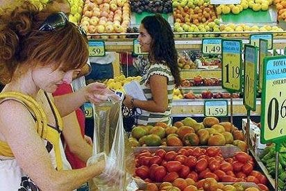 La confianza del consumidor en junio alcanza su nivel más alto en más de un año