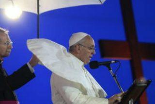 Copacabana, la playa de la fe y del Papa-estrella