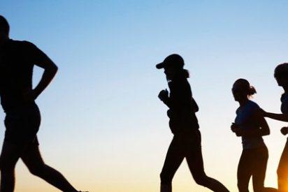 Practicar ejercicio por las mañanas ayuda a mejorar el humor y acelera la eliminación de líquidos