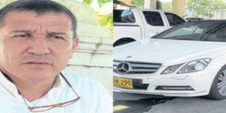Un cura colombiano vende su Mercedes en señal de obediencia al Papa