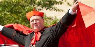 Dolan pagó a sacerdotes acusados de abusos en EE.UU. para que dejaran los hábitos