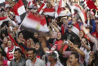El masivo pulso de los islamistas dispara la tensión en Egipto