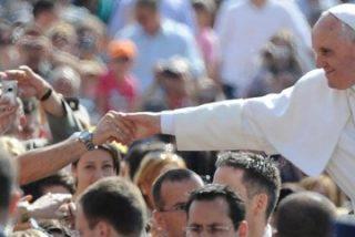 Francisco invitó a cenar a 200 mendigos en el Vaticano