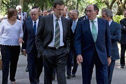 Rajoy asegura a los principales empresarios españoles que no le 'torcerán el brazo'