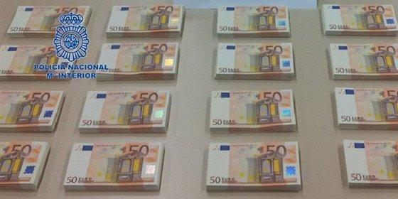 Casi 320.000 billetes falsos de euro han sido retirados en el primer semestre de 2013