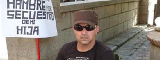 Moraleda, el hombre en huelga de hambre por la custodia de su hija, desfallece