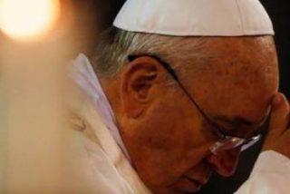 """Francisco envía """"mi cercanía espiritual, mi fraterno afecto y mi emocionada solidaridad"""" a las víctimas del accidente de Santiago"""