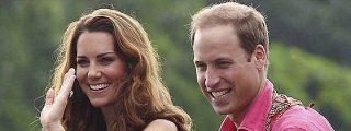 Los duques de Cambridge, padres de un niño, tercero en la línea al trono
