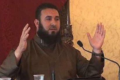 El líder musulmán niega que sea denigrante llamar 'fornicadoras' a las mujeres perfumadas