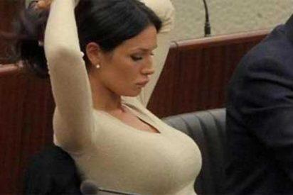 La despampanante bailarina Nicole Minetti describe las noches de sexo de Berlusconi