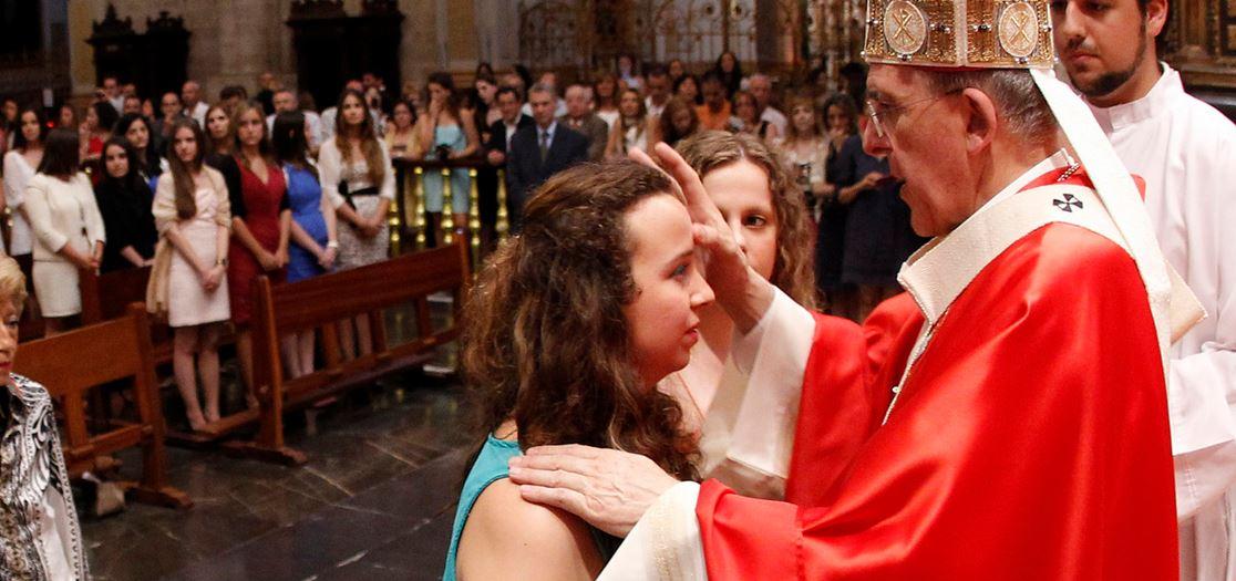 Misa de fin de curso de la UCV en la catedral de Valencia