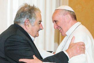 """El Papa Francisco a J. Mújica: """"La Iglesia no desea privilegio alguno"""""""