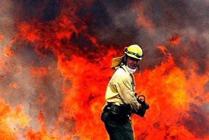 El avance de las llamas en el incendio de Sa Coma Calenta obliga a pedir refuerzos