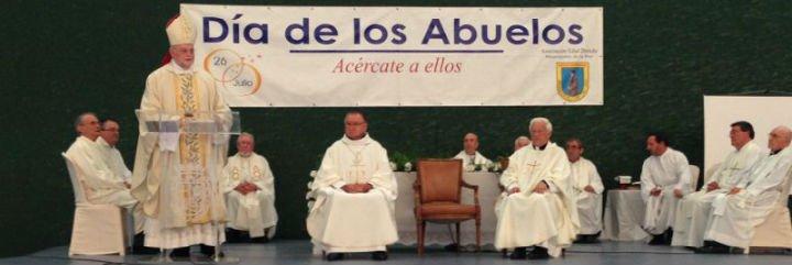 Mensajeros de la Paz celebra el 'Dia de los Abuelos' en Palencia