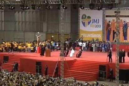 """El Papa, a los voluntarios: """"¡Tengan el coraje de ser felices!"""""""