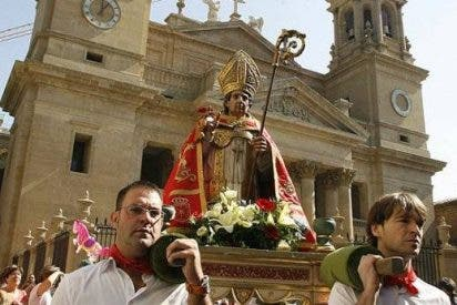 Los pamploneses honran a San Fermín