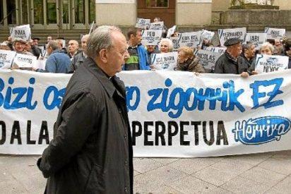 """Uriarte lamenta que ni el Estado ni ETA """"dan los pasos suficientes"""" para la paz"""