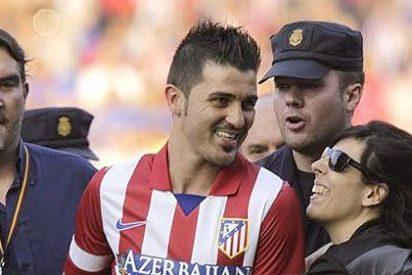 La presentación de Villa con el Atlético de Madrid acaba en apoteósica invasión de campo