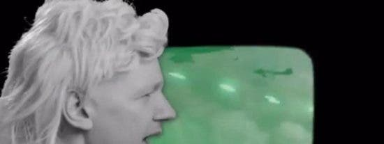 El fundador de WikiLeaks entra en campaña 'dando el cante' en un vídeo