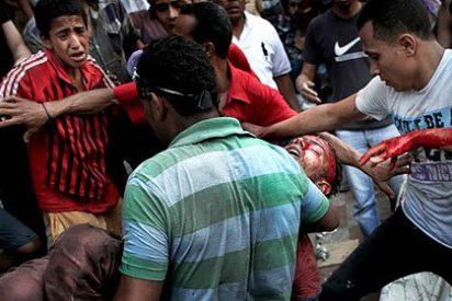El Ejército con fusiles y ciudadanos con pistolas asfixian las marchas de los Hermanos Musulmanes