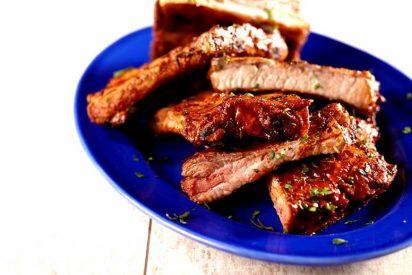 Una nueva sugerencia englobada en la campaña promocional de usos prácticos: Costillas de Cerdo Salsa Barbacoa al Pimentón Ahumado La Chinata