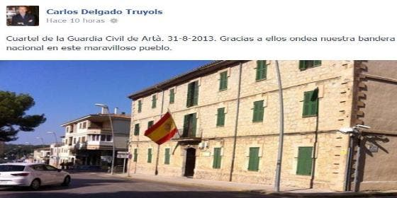Cuelgan la senyera en el Ayuntamiento de Artà y sólo responde Delgado...en Facebook